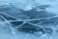 На Ямале спасли мужчину, провалившегося под лед