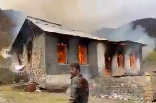 Перемирие в Нагорном Карабахе: армяне начали сжигать свои дома