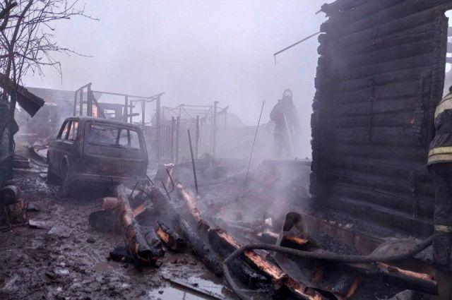В сгоревшем доме в селе Новомихайловка нашли тела двух погибших.
