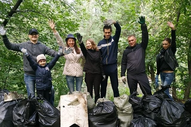 Тонны мусора экоактивисты собирают ежегодно.