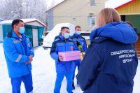 На Ямале многодетная мама радует медиков выпечкой