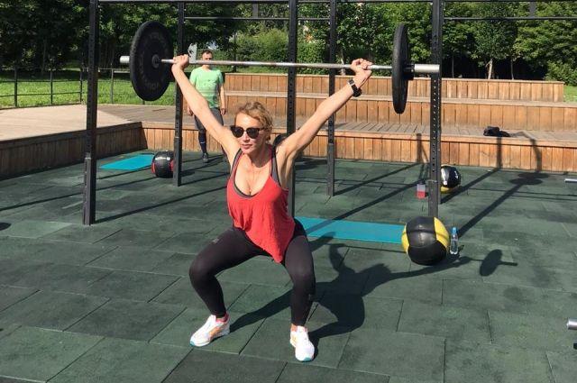 В спортзал пришла почти в 30 лет, после того как родила двоих детей.