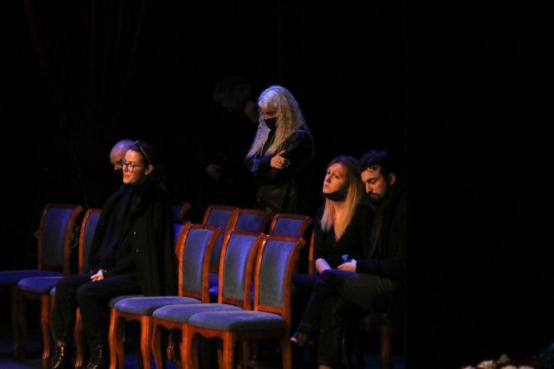 Участники церемонии прощания.