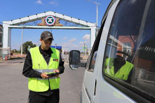 Вся информация о приезжающем на завод транспорте поступает охране в режиме онлайн.