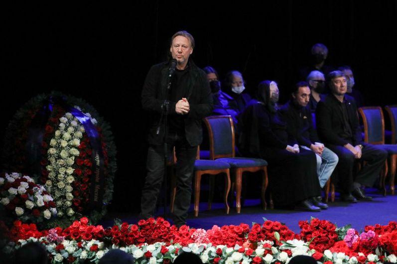 Актер Дмитрий Харатьян.
