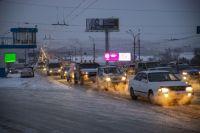 В Новосибирске неприятный запах и дымка появились в центре города и других районах.