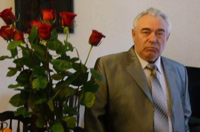 В Оренбурге на 78-м году жизни скончался бывший главврач ЦРБ Николай Долгушин.