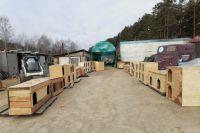 За выходные волонтёры построили 60 будок.