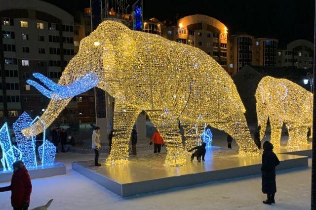 Светящиеся фигуры установлены на ул. Ленина