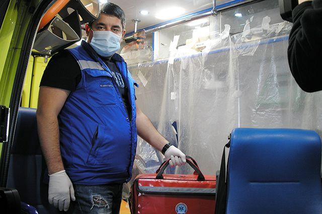 Машины скорой помощи оснащены всем необходимым оборудованием.