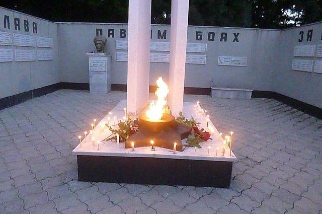 В центре села установлен памятник павшим воинам