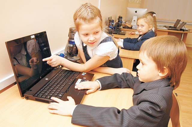 Дети, перегруженные Интернетом, становятся рассеянными, невнимательными. Если у них отбирают гаджет, то это вызывает бурю протеста.