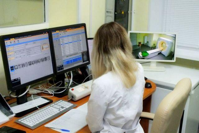 Томографы уже появляются в поликлиниках.