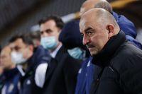 Главный тренер сборной России по футболу Станислав Черчесов перед матчем со сборной Сербии.