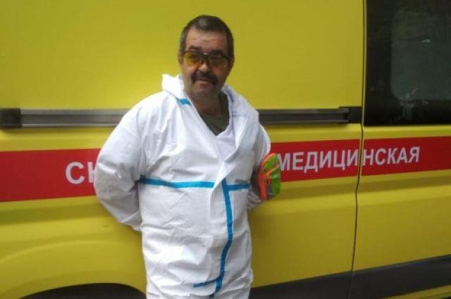 20 лет Илья Житков провёл в небе, спасая пациентов.