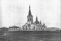 Возраст Мариинска определяется по дате основания первого населённого пункта на этой территории - им оказался Никольский погост русской православной церкви.