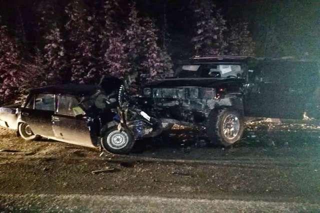 Четыре человека пострадали в ДТП с Hummer на трассе в Башкирии