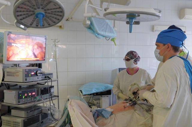 Алтайские онкологи совершили прорыв в операциях при раке легкого и желудка