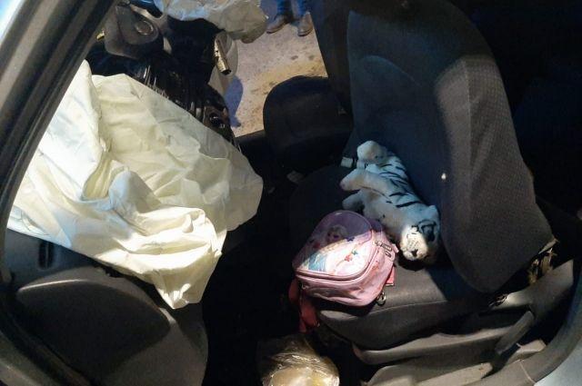 Водитель автомобиля скончался на месте.