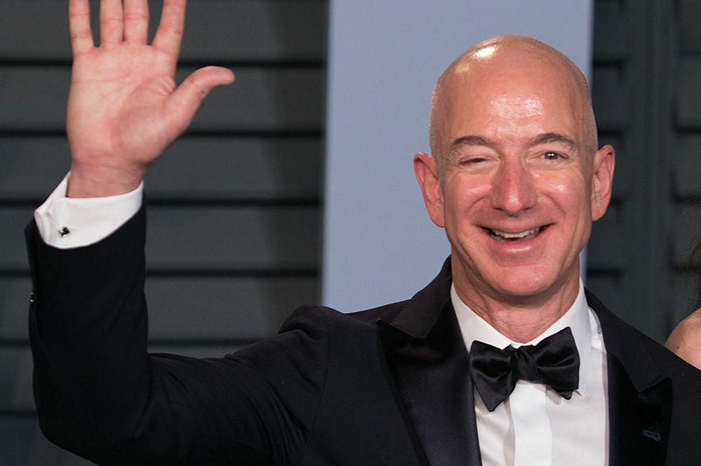 Джефф Безос (Amazon) — $183 млрд. Богатейшим человеком на Земле уже третий год остается глава корпорации Amazon Джефф Безос.
