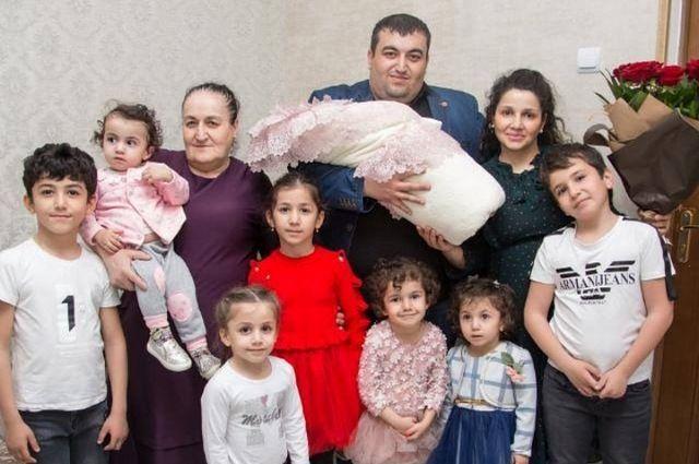 Почти каждый год в семье отмечают пополнение