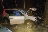 Сегодня, 19 ноября, в Заельцовском районе Новосибирска произошло ДТП со смертельным исходом. Женщина-водитель за рулем автомобиля Nissan X-Trail, выехав на встречную полосу, врезалась в дерево и скончалась от полученных травм.