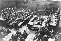 Главный зал Дворца юстиции во время Нюрнбергского процесса.