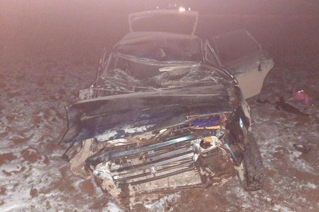 В Удмуртии пьяный водитель ВАЗа перевернулся в кювет
