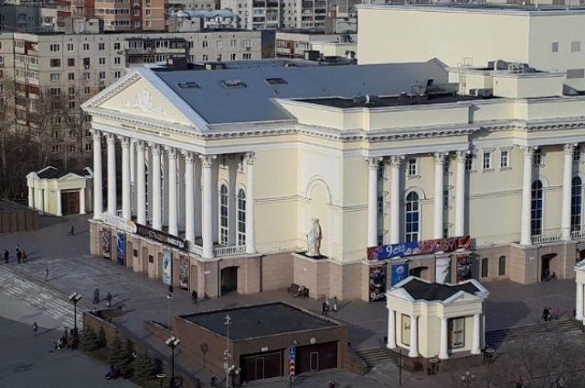 Тюменский драмтеатр ушел на карантин из-за коронавируса в коллективе