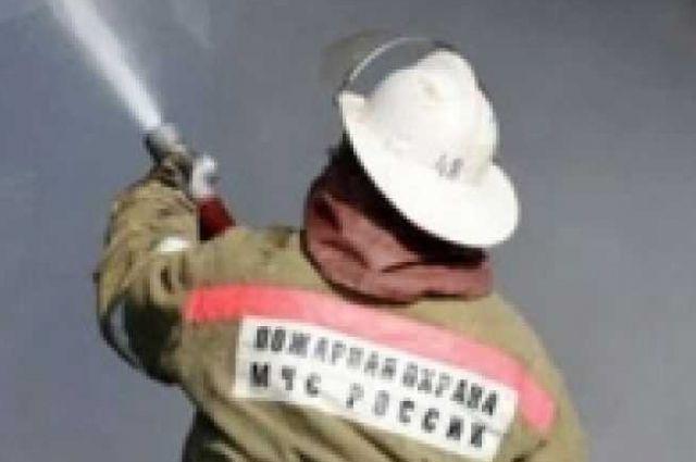 Причина пожара в Кваркенском районе устанавливается.