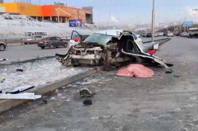 Водитель такси погиб на улице Сипайловской в Уфе