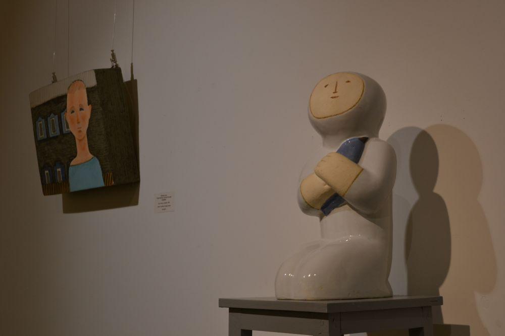 Анна и Юлия Шабаевы – современные профессиональные художники декоративно-прикладного искусства, представители нового поколения декоративной керамики, которую сегодня называют авторской.
