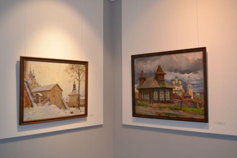 Работа на пленэре и этюд, как форма художественного произведения, в котором живописец достигает картинной выразительности, являются главными особенностями творческого метода Ольги Карпачёвой.