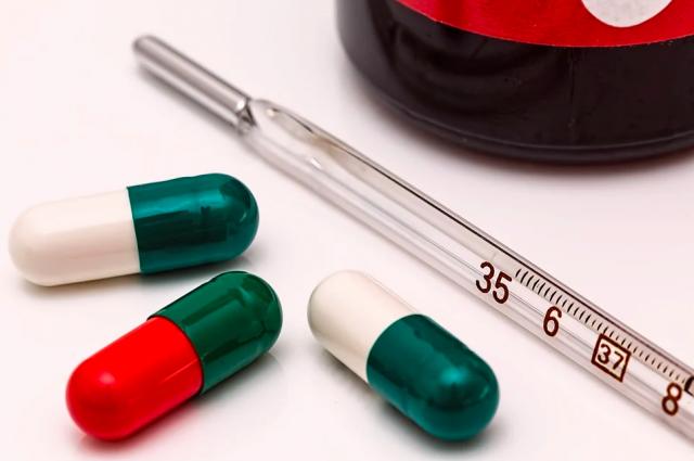 Все больше новосибирцев переносят коронавирус с симптомами ОРВИ.