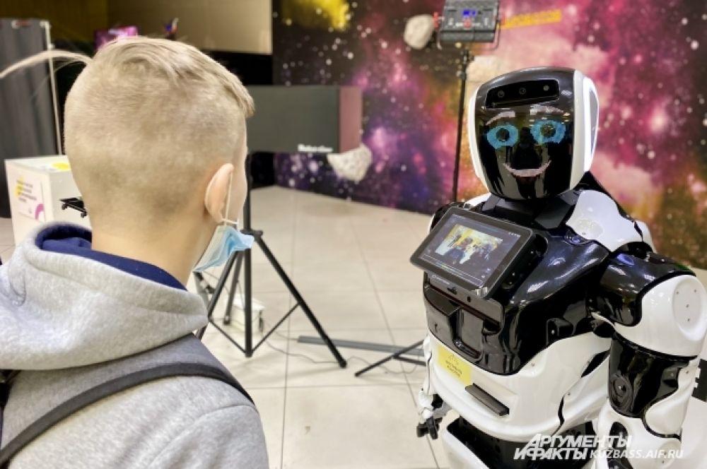 Через несколько десятилетий роботы вполне смогут заменить некоторые профессии, допустим, продавца или баристы.