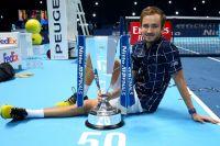 Даниил Медведев после победы в финале итогового турнира Ассоциации теннисистов-профессионалов (АТР) в Лондоне.