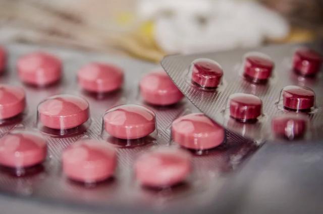 В Новосибирск привезли очередную партию антибиотиков.