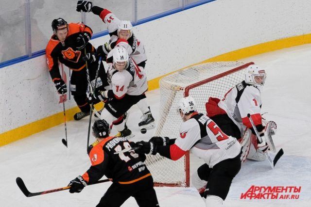 Андрей Морозов уволился по собственному желанию.