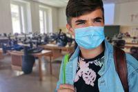 Неделей ранее в округе учеников, больных ковидом, было в три раза меньше.