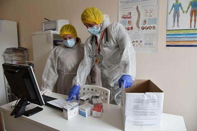Важный шаг в борьбе с коронавирусом – развоз бесплатных лекарств пациентам с COVID-19, лечащимся дома.