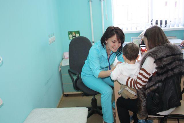 Земского доктора в деревне знает каждый. Сейчас в области строят ФАПы, в которых врач может жить. А