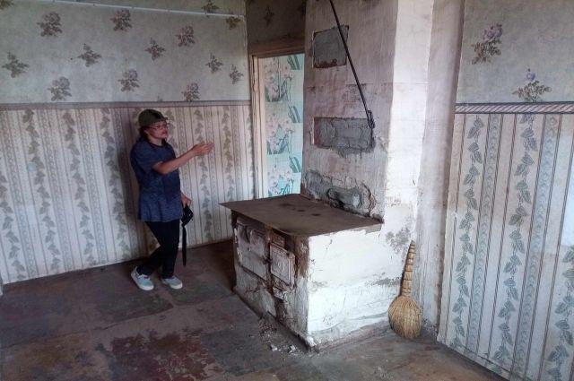 Много лет Любовь прожила в ветхом бараке, а потом лишилась и его.