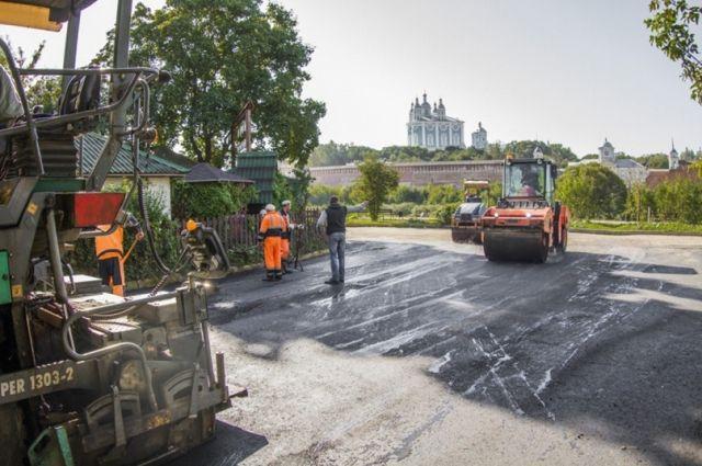 В Смоленске отремонтируют подъездные пути к 54 социальным объектам.