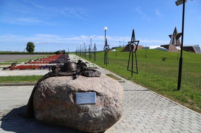 Мемориальный комплекс в Десногорске посвящён памяти воинов, павших в боях с фашистами.