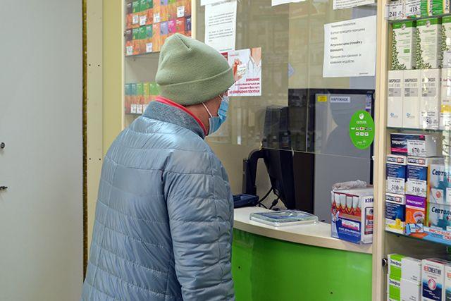 В смоленских аптеках сложно найти антибиотики и противовирусные средства.