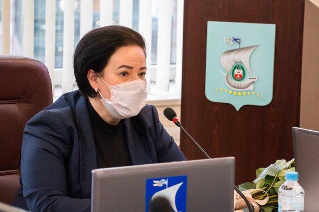 Елена Дятлова утверждена в должности главы городской администрации