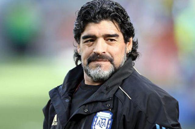 Умер легендарный футболист Диего Марадона