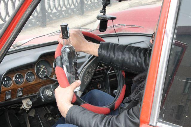 Пьяных автовладельцев регулярно ловят на дорогах.