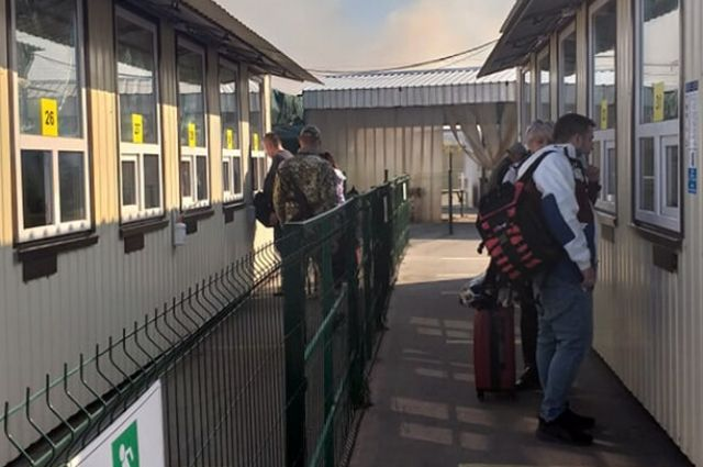Закрытие блокпостов: Кабмин определил причины для пересечения КПВВ