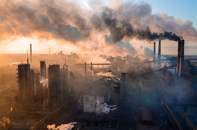 Выбросы металлургического завода. Россия, 2020 год.